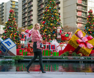 Street Style: Seasons Greetings